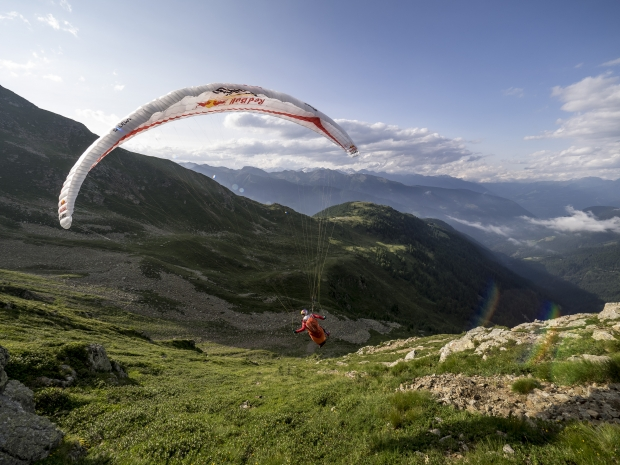 Aaron Durogati (ITA) performs during Red Bull X-Alps in Mitterbirbach, Italy on July 8th 2015